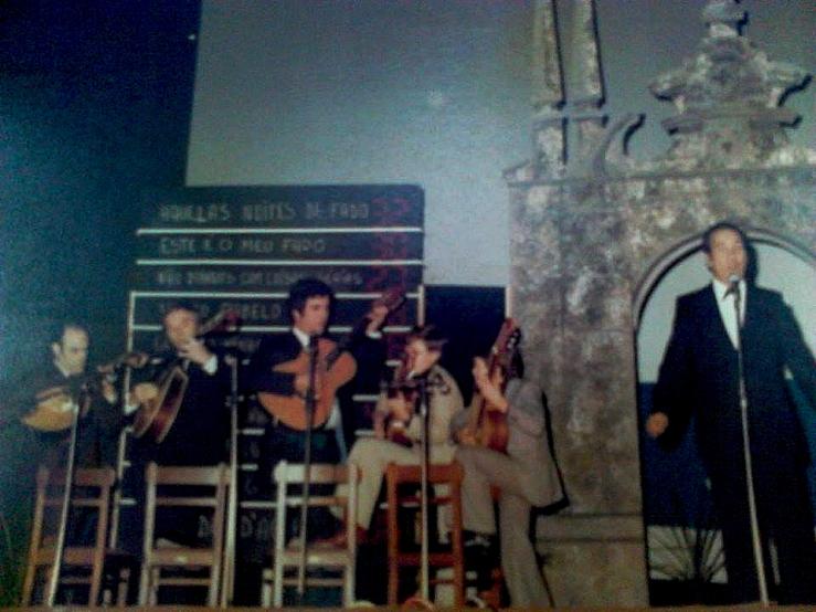 1978 Grande NoiteConcurso de Fado - Artur Caldeira, Manuel Lima e filho, Francisco Seabra (Guitarra Portuguesa) e Rafael de Carvalho (Viola) vtratada